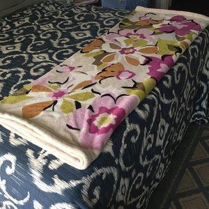 Vera Bradley Portobello Road Print Throw Blanket